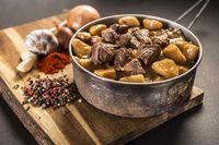 Beef Goulash with Potatoes - Self-heating